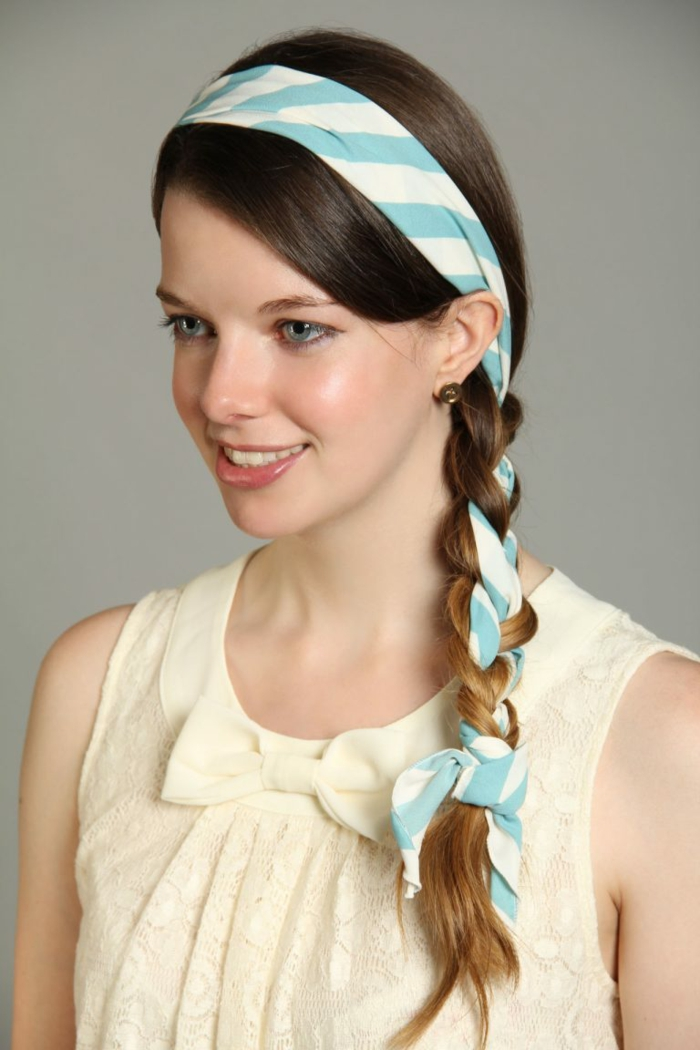tresse coiffure nouer foulard cheveux