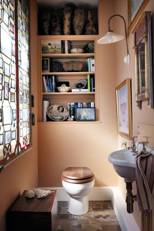 Salle de bains campagne chic joli vitrail