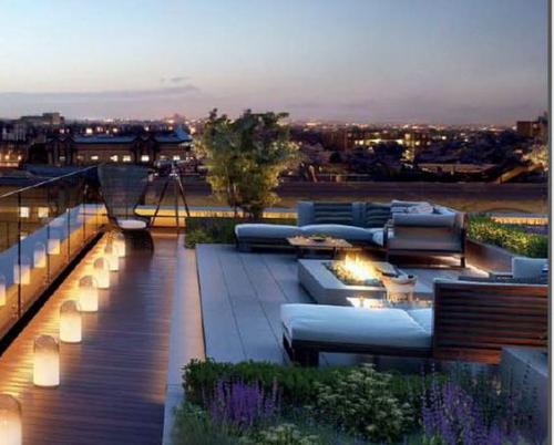aménager un balcon long terrasse illuminée