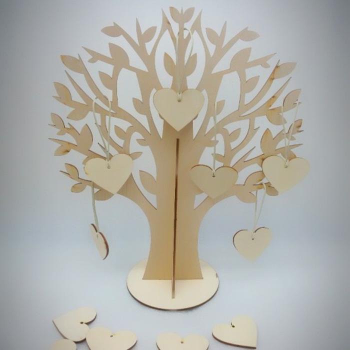 arbre à voeux et étiquettes forme de coeurs