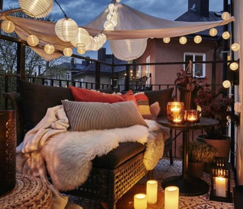 astuce déco balcon ambiance cosy