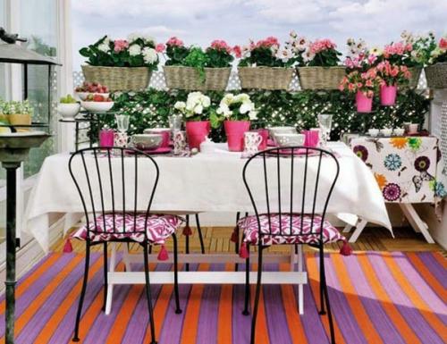 astuce déco balcon une terrasse fleurie