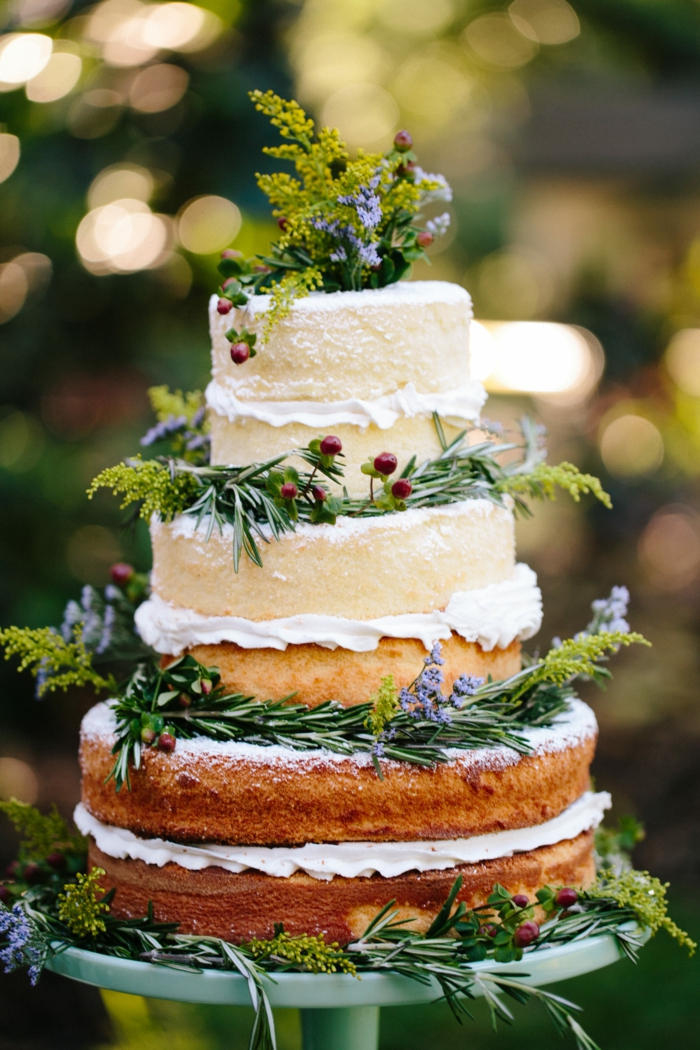 bel gâteau anniversaire naked