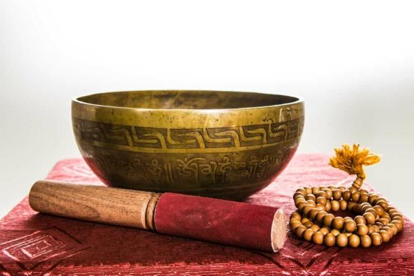 bol tibétain chantant