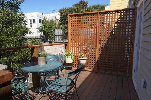brise-vue balcon design le bois est privilégié
