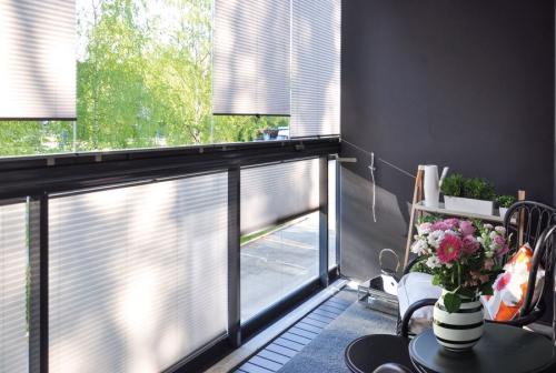 brise-vue balcon design mur latéral en gris
