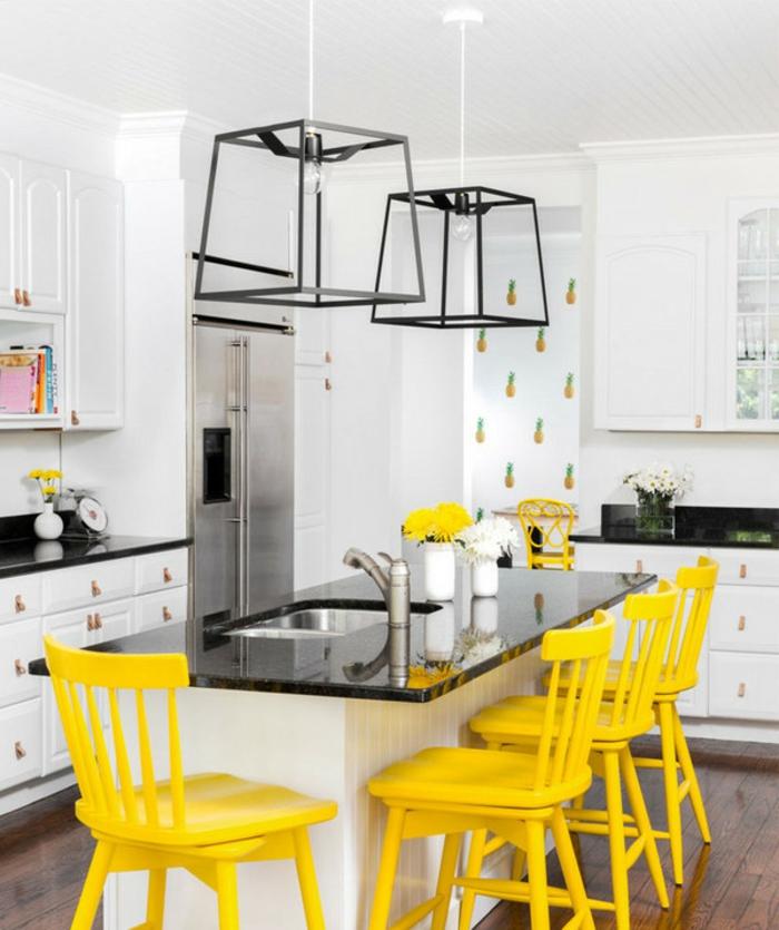 chaises en jaune gen-z cuisine