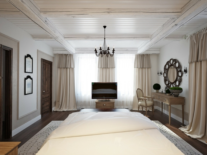 chambre classique plafond poutre apparente peinte