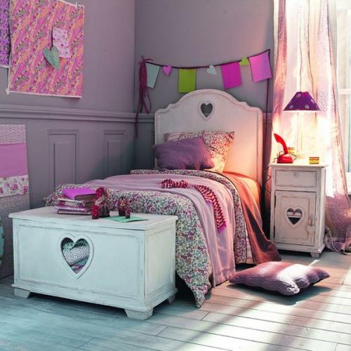 chambre fille mur en lilas