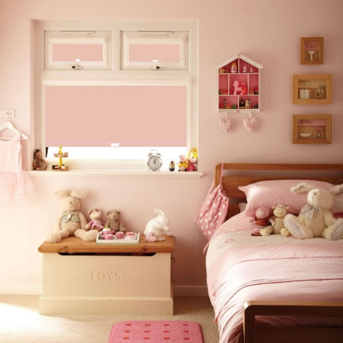 chambre fille murs et moquette roses