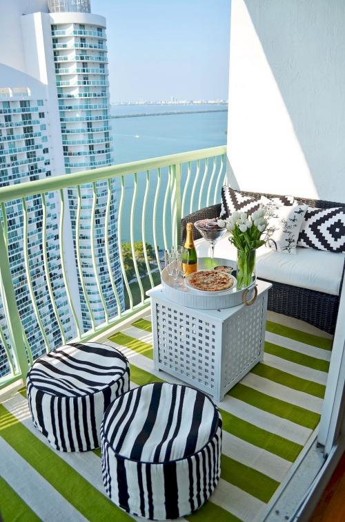 comment aménager un balcon belle vue sur la mer
