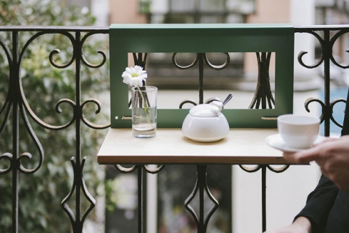 comment aménager un balcon joli coin café