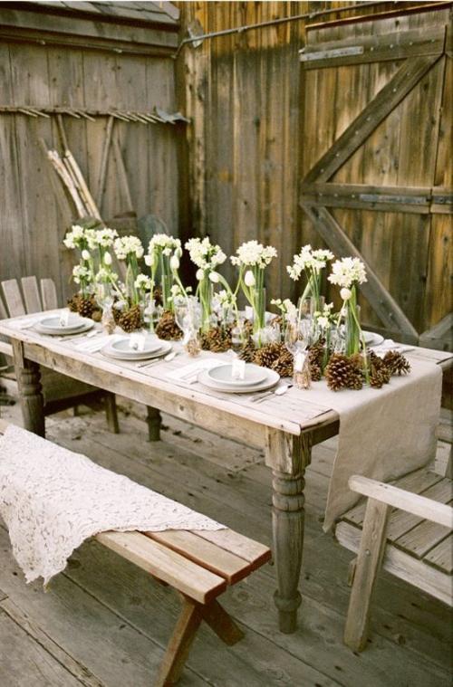comment décorer la table du jardin arrière-cour porte de grange