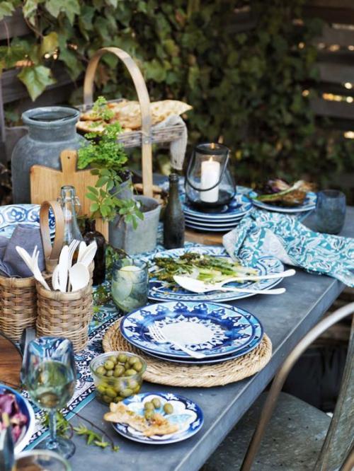 comment décorer la table du jardin bleu privilégié