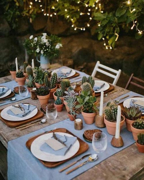 comment décorer la table du jardin bougies dans des bibelots