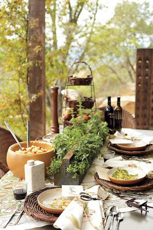 comment décorer la table du jardin porte-pots sur la table