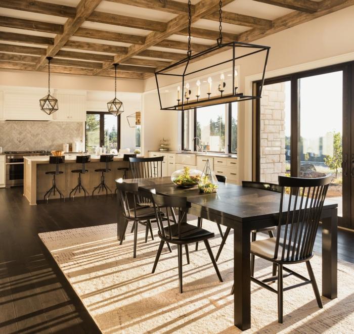 cuisine et salle à manger style industriel plafond poutre apparente