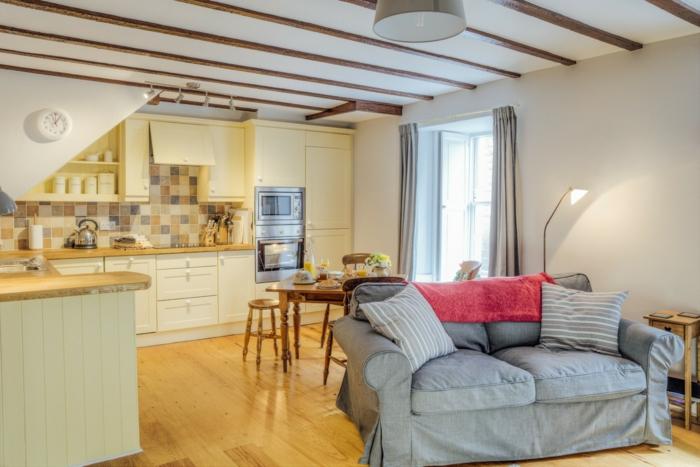 poutre apparente cheap salle manger avec poutres apparentes with poutre apparente poutre. Black Bedroom Furniture Sets. Home Design Ideas
