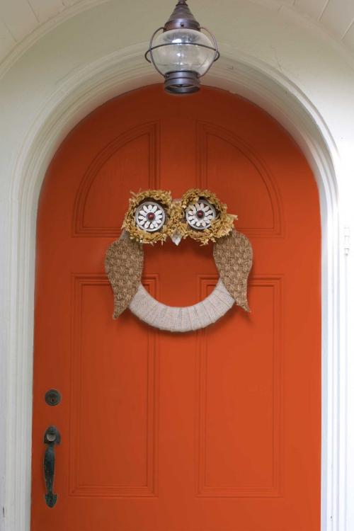 déco automne à faire soi-même porte décorée de chouette