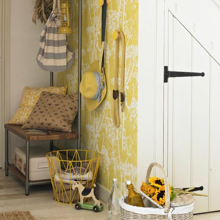 déco couloir étroit peinture jaune