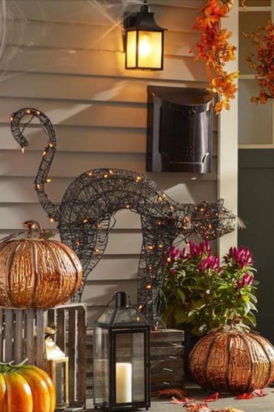 déco extérieure Halloween couronne de feuilles mortes