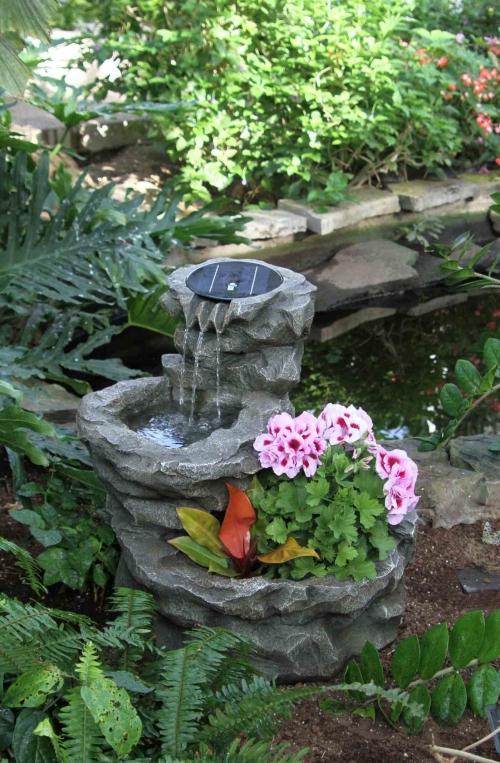 déco jardin fontaine jolie pierre sculptée