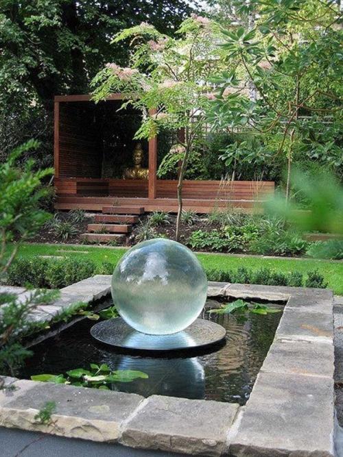 déco jardin fontaine petit lac au milieu du jardin