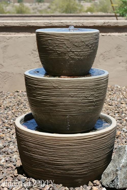 déco jardin fontaine trois récipients