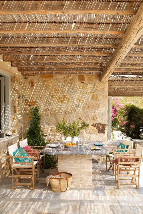 déco patio terrasse en bambou comme abri contre le soleil