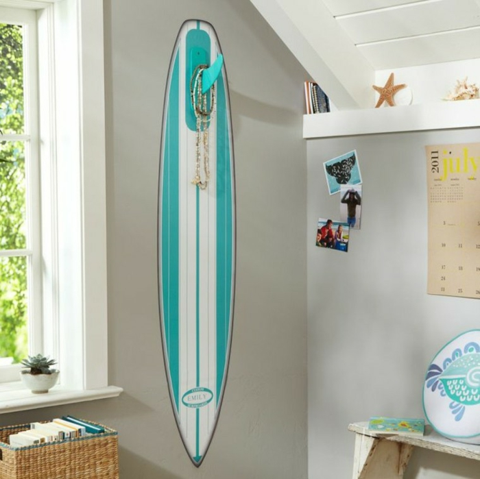 déco planche de surf pour mieux ranger vos bijoux