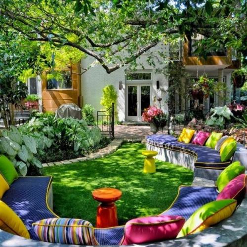 déco salon jardin coin-détente sur la pelouse