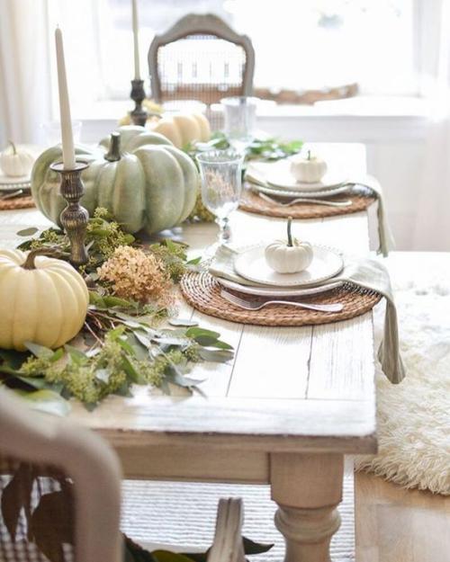décoration citrouille en attendant des invités