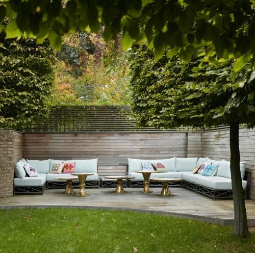 décoration extérieure espace large pour détente