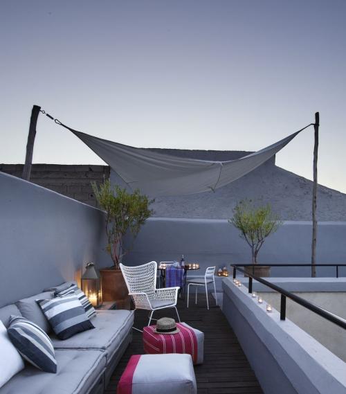 décoration extérieure espace sur le toit d'une maison