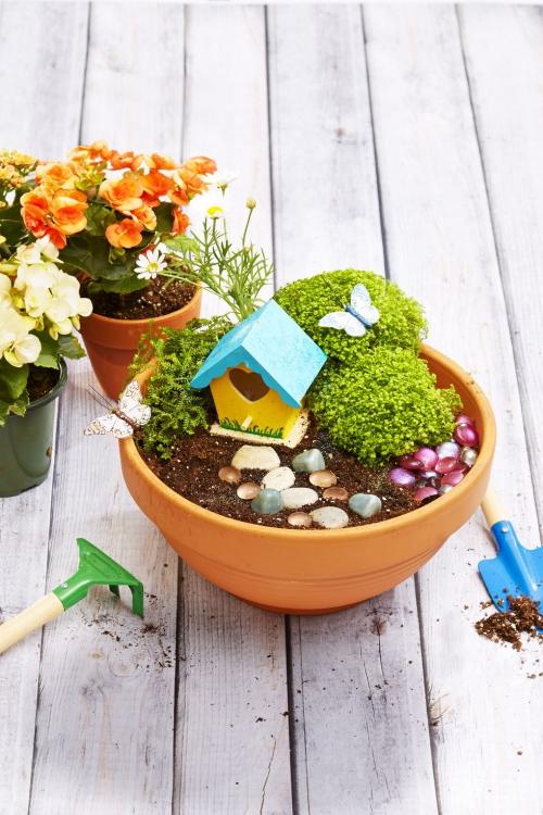 décoration jardinière extérieure joli ornement d' un grand pot