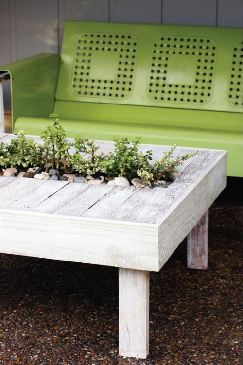 décoration jardinière extérieure table de bois récupéré