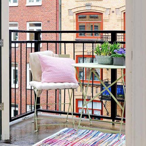 décoration petit balcon garde-corps en barres de fer