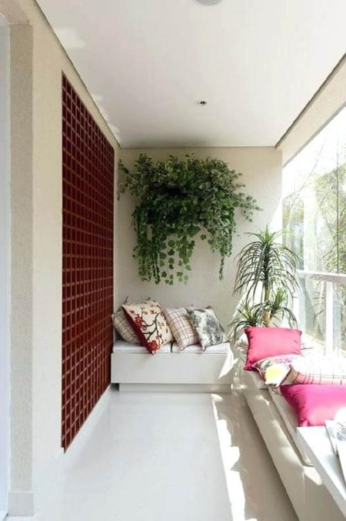 décoration petit balcon terrasse privilégiant le blanc