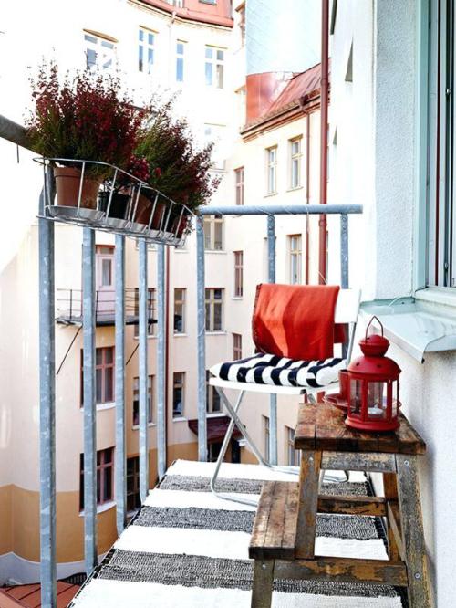 décoration petit balcon très petite terrasse