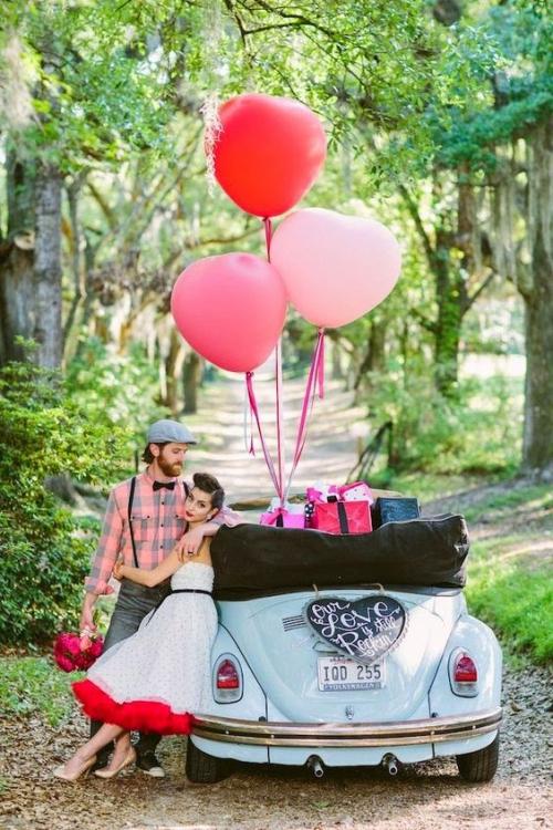 décoration voiture mariage fête décontractée