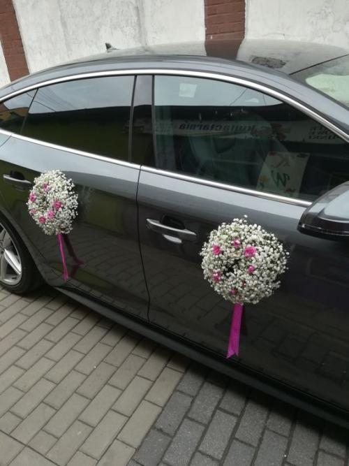 décoration voiture mariage portes décorées