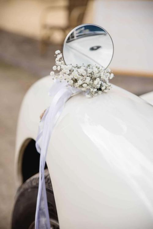 décoration voiture mariage rétroviseur décoré