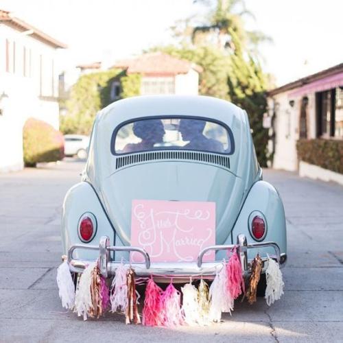 décoration voiture mariage style rétro