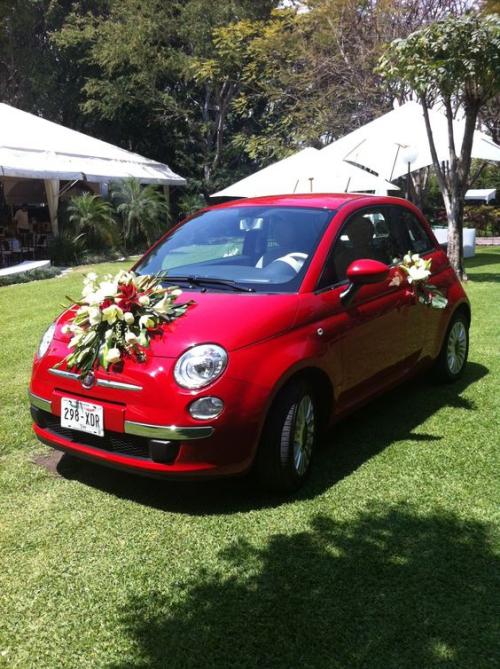 décoration voiture mariage voiture rouge