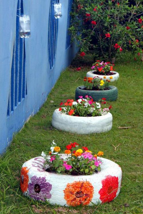 décorer le jardin avec objets de récupération bon usage des vieux pneus