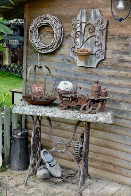 décorer le jardin avec objets de récupération la machine à coudre de Mamie