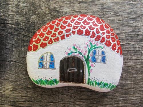 diy maison bricolage avec des galets
