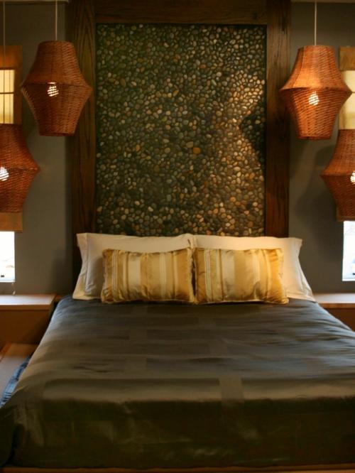 diy tête de lit design bricolage avec des galets
