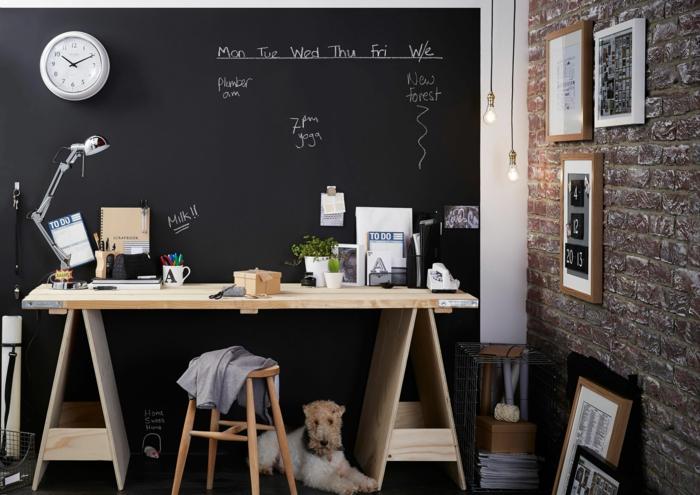 diy tableau magnétique noir sur le mur