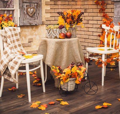 feuilles d 39 automne pour une d coration plus chaleureuse. Black Bedroom Furniture Sets. Home Design Ideas